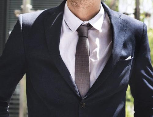6 ขั้นตอน  วิธีพับเสื้อสูทใส่กระเป๋าเดินทาง